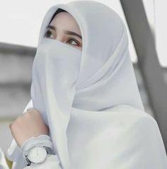 Jumma Mubarak Dp, Dps For Girls, Niqab Fashion, Fancy Dress Design, Beautiful Muslim Women, Hijab Tutorial, Muslim Girls, Stylish Girl, Designer Dresses