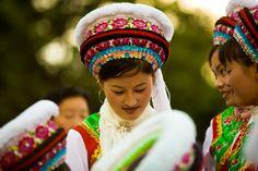 Traditionele klederdracht van Bai. De Bai is een volkerengroep in de Chinese provincie Yunnan.