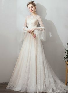 French Romantic Polka Dot Vintage Wedding Dress With Long Sleeves Sweep Train Französisches Romantik Polka Dot Vintage Brautkleid mit Wedding Dress Trends, Wedding Gowns, Tulle Wedding, Dream Wedding, Gothic Wedding, Wedding Vintage, Wedding Bride, Wedding Ideas, Bride Look
