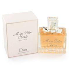 Miss Dior Chérie Eau de Parfum by Christian Dior. Uma mistura impressionante de folhas de morango e tangerina verde abre este perfume. Em seguida, mistura-se com um sorbet violette, rosa de jasmim e morango, que termina com patchouli fresco, almíscar e cristalinas. $125.00 100 ml
