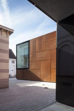 City Library Bruges / Studio Farris Architects