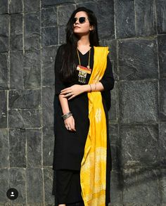 Black dress outfit dressy simple Ideas for 2020 Dress Indian Style, Indian Dresses, Indian Outfits, Black Dress Outfits, Casual Dresses, Metallic Outfits, Girly Outfits, Simple Dresses, Kurti Designs Party Wear