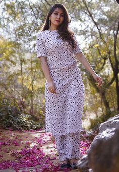 Off White Cotton Readymade Pant Style Suit 177485 Simple Kurta Designs, Kurta Designs Women, Dress Neck Designs, Designs For Dresses, Kurtha Designs, Churidar Designs, Salwar Kameez Neck Designs, Tandoori Masala, Style Simple