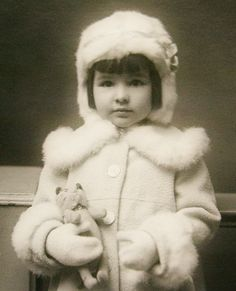 ~+~+~ Antique Photograph ~+~+~ Beautiful dark haired girl all bundled up. Love her little kitty cat.
