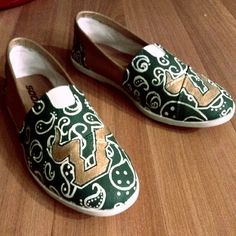 #USF shoes! https://www.facebook.com/CWhitt.Customs this is the link for the designer of these shoes. Go Bulls!