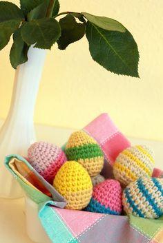 Crocheted Easter eggs? Why not!    Follow free Easter Egg Crochet pattern link