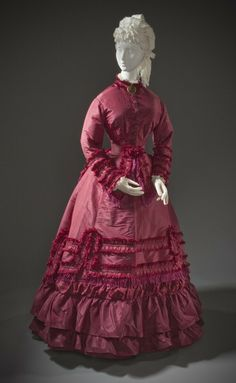 Edwardian Ladies Promenade Dress_1870