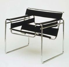 CADEIRAS2 design de cadeiras preta Marcel Breuer foi o precursor do design arrojado para as cadeiras, a Wassily (1925), inspirada nos tubos de aço de sua bicicleta, é um verdadeiro clássico do design mundial. Dizem que a Wassily de tão atual que é, possui design contemporâneo.