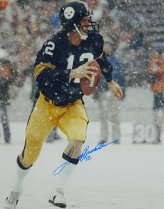 Four-time Super Bowl champion Quarterback Terry Bradshaw of the Pittsburgh Steelers is a Fox NFL analyst who described himself as Republican in an interview with The Hill. But Football, Pittsburgh Steelers Football, Pittsburgh Sports, Best Football Team, Football Players, Football Photos, School Football, Pitsburgh Steelers, Steelers Helmet