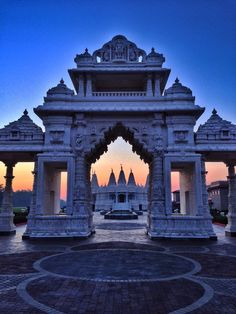 A visit to temple in chicago