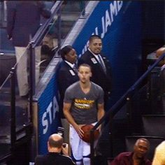 Discover & share this Stephen Curry GIF with everyone you know. Nba Pictures, Basketball Pictures, Stephen Curry Gif, Curry Wallpaper, Nba Players, Golden State Warriors, Champion, Funny Memes, Guys