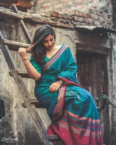Indian Photoshoot, Saree Photoshoot, Photoshoot Ideas, Wedding Couple Poses Photography, Girl Photography Poses, Girl Photo Shoots, Girl Photo Poses, Girl Pictures, Girl Photos
