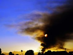 Smoke lingered above Richmond after a Chevron refinery fire on Aug. 6th. photo by: Tawanda Kanhema