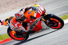 Para selar o título da MotoGP em Valência, Marc Marquez utiliza até fisioterapeuta para estar 100%.