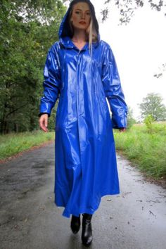 Pvc in the park Girls Raincoat, Raincoat Outfit, Green Raincoat, Raincoat Jacket, Rain Jacket, Vinyl Raincoat, Pvc Raincoat, Hooded Raincoat, Plastic Raincoat
