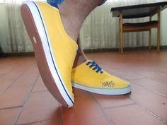 Zapatos para hombre, firma de James.