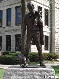 Lincoln and Pig Statue-Taylorville, IL