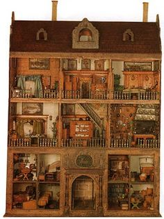 Stromer House One of the oldest known intact doll houses is in the Germanisches National Museum, Nuremberg, Germany. Known as the Stromer House, because it was presented to the museum by Baron von. Vitrine Miniature, Miniature Houses, Miniature Dolls, Dollhouse Dolls, Dollhouse Miniatures, Antique Dollhouse, Wooden Dollhouse, Fairy Houses, Doll Houses