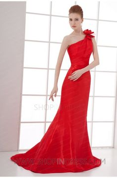 red prom dress #red #prom #dresses