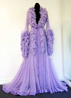 lilac dressing gown Catherine d'lish Old Hollywood Style, Hollywood Glamour, Vintage Outfits, Vintage Fashion, Vintage Nightgown, Peignoir, Fru Fru, Vintage Mode, Vintage Lingerie