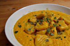 Auf diese Kürbis Gnocchi bin ich richtig neidisch - dazu zauberte Susanne eine köstlich klingende Curry-Karotten-Kokos-Soße... mmmhhh genau das richtige bei diesen Temperaturen!