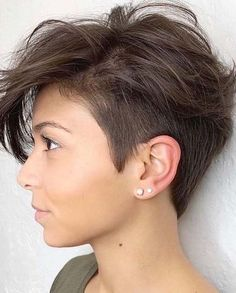 Best Short Cropped Haircut Styles to Follow in Year 2021   Stylezco Elegant Hairstyles, Short Hairstyles For Women, Hairstyles Haircuts, Cool Hairstyles, Short Hair Lengths, Short Hair Cuts, Pixie Cuts, Crop Haircut, Short Hair Trends
