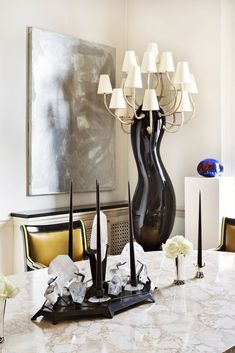 Being one of the best interior designers in the world, Francis Sultana is the perfect example of a man who also became famous for his furniture designs. Decor, Design Inspo, Trendy Home Decor, Dining Room Design, Interior Design Inspiration, Luxury Furniture, Top Interior Designers, Dining Design, Interior Design Blog