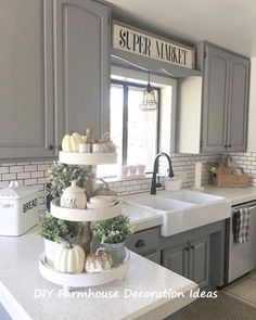 33 Nice Rustic Farmhouse Kitchen Cabinets Design Ideas - Country kitchen cabinets determine design in creating the distinctive character of each kitchen. Everyone loves the warmth of a country kitchen. Farmhouse Tabletop, Farmhouse Kitchen Cabinets, Modern Farmhouse Kitchens, Cool Kitchens, Farmhouse Decor, Kitchen Backsplash, Primitive Kitchen, Kitchen Countertops, Farmhouse Sinks