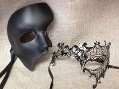 Women Couple Black Metal and One Eye Phantom Venetian Masquerade Mask Detailed with intricate Modern Venetian inspired designs - Extravagant Rhinestone are beautifully encrusted on the high points of the mask to Masquerade Outfit, Sweet 16 Masquerade, Masquerade Ball Party, Venetian Masquerade Masks, Masquerade Wedding, Masquerade Men, Mascarade Mask For Men, Black Masquerade Mask, Masquerade Theme