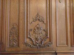 Detail панелями в столовой, где в честь отеля Hotel de Noirmoutier