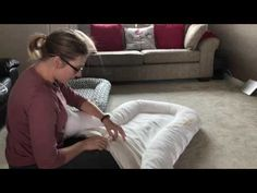 How to sew a baby nest - step by step tutorial to make your own dockatot - YouTu. - Best Sewing Tips Baby Sewing Projects, Sewing Projects For Beginners, Sewing Tutorials, Sewing Hacks, Sewing Diy, Free Sewing, Sewing Ideas, Baby Set, Baby Nest Pattern