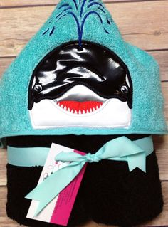 Whale Hooded Towel | Hooded towel |Whale | Orca |personalized towel –beach towel – kids hooded towel –bath towel by StitchandQuilt on Etsy