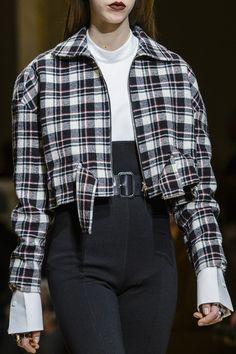 Aquilano.Rimondi at Milan Fashion Week Fall 2017 - Details Runway Photos