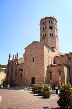"""The Basilica di Sant'Antonio, the patron saint of Piacenza, is one of the great examples of Romanesque architecture in the city - """"Piacenza in a few snapshots"""" by @Norbert Figueroa"""
