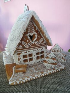 Gingerbread Village, Christmas Gingerbread House, Christmas Clay, Christmas Sugar Cookies, Christmas Sweets, Gingerbread Cookies, Crazy Cookies, Fancy Cookies, Christmas Cake Designs