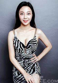 Vitajte v našej fotogalérii!  Pozrite sa na bezplatného ázijského člena Changwen