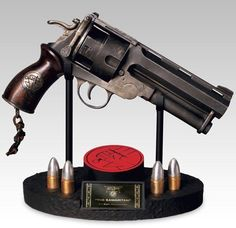(Hellboy I & II) - Samaritan - Internet Movie Firearms Database - Guns in Movies, TV and Video Games (so cool I had to pin it! Sci Fi Weapons, Fantasy Weapons, Hellboy 1, Good Samaritan, Cool Guns, Movie Props, Guns And Ammo, Sideshow, Firearms
