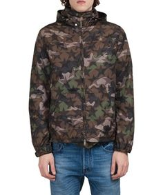 VALENTINO Nylon Camostar Windbreaker. #valentino #cloth #windbreaker