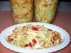 Zelí nakrouháme, papriku nakrájíme na proužky, mrkev nahrubo nastrouháme, cibuli nakrájíme nadrobno. Přidáme vše ostatní, smícháme, ochutnáme a... Slovak Recipes, Czech Recipes, Ethnic Recipes, Salty Foods, Vegetable Recipes, Guacamole, A Table, Healthy Life, Cabbage