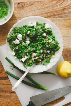 White Bean Salad with Peas and Mint // A beautiful summer salad idea!