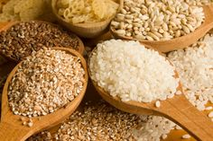 Whole grain: A list of best foods for quick weight loss can never be complete without whole grains. Even without changing other areas of y. Whole Grains List, Top Fat Burning Foods, Burnt Food, Whole Food Recipes, Healthy Recipes, Good Carbs, Fiber Rich Foods, Foods To Eat, Healthy Living