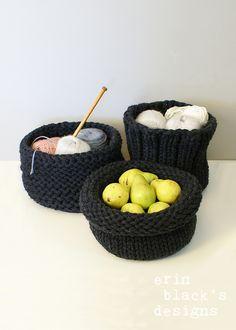 Ravelry: Chunky Knit Baskets Set of 3 (homdec013) pattern by Erin Black