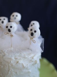 Pin for Later: 60+ of the Most Spooktacular Halloween DIYs Donut-Hole Ghosts Donut holes look ghostly with some mesh and string.  Source: Say Yes