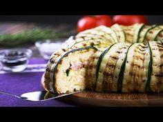 Je maakt met plakjes courgette een bloem en bedekt deze met een laag rijst. Voor je het weet staat er een feestelijk maal op tafel.