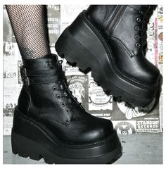 Platform Boots Outfit, Black Platform Boots, Black Shoes, Shoe Boots, Platform Shoes, Dr Shoes, Cute Shoes, Me Too Shoes, Aesthetic Grunge Outfit