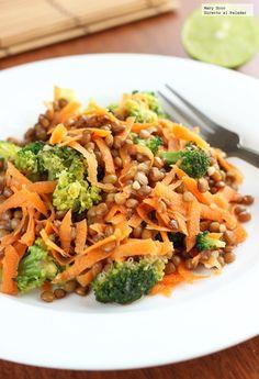 Receta de ensalada de brócoli y lentejas. Con fotografías paso a paso, consejos y sugerencias de degustación. Recetas de ensaladas...
