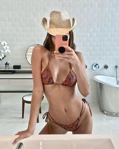 Twitter Poses, Kendall Jenner Bikini, Ciara Bravo, Bikini Inspiration, Asian Hotties, Foto Pose, Cute Bikinis, Elle Fanning, My Horse