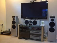 Our readers' systems make me jealous... RT @mwt2008: @whathifi #WHFsystems pic.twitter.com/qnilKN7KVM