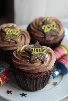 We can't use Nutella as a nut-free bakery, but we have the perfect gluten-free chocolate ganache cupcakes for this pinspiration! New Year's Cupcakes, Yummy Cupcakes, Cupcake Cakes, Chocolate Ganache Cupcakes, Nutella Cupcakes, Chocolate Hazelnut, Yummy Treats, Sweet Treats, Yummy Food