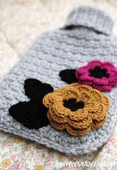 Lululoves: Crochet Hot Water Bottle Cover Crochet Blocks, Crochet Motif, Diy Crochet, Crochet Crafts, Crochet Flowers, Crochet Projects, Crochet Ideas, Knitting Patterns, Crochet Patterns